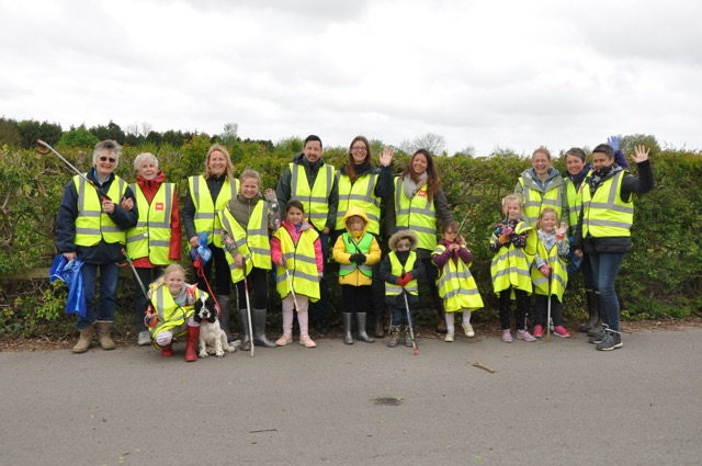 Photo of people on litter pick