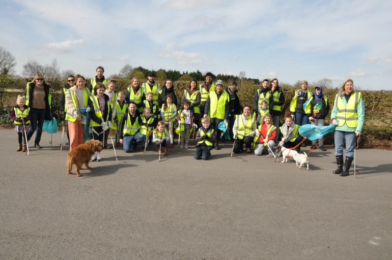 Photo of litter picker volunteers